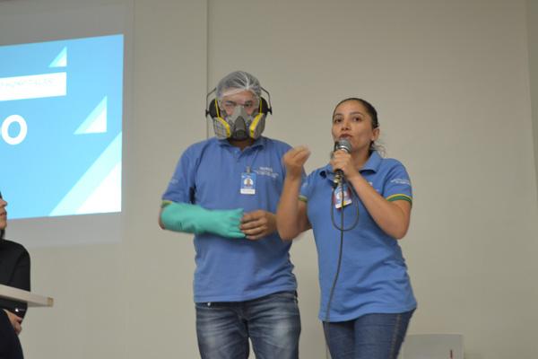Colaboradores do HURSO participam de palestra sobre a importância dos EPI's