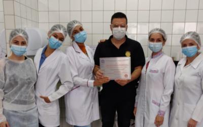 Laboratório de análises clínicas do HURSO recebe selo de excelência do PNCQ